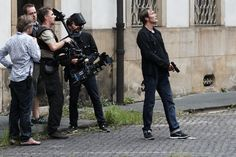 Na snimanju filma Move On. Mads Mikkelsen, Behind The Scenes, Take That, Anthony Hopkins, Punk, Actors, Mens Fashion, Film, People