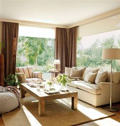 Salón con gran ventanal