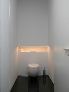I interesting the retreat behind the toilet. Thinking about our washed - I interesting the retreat behind the toilet. Small Toilet Room, Guest Toilet, Downstairs Toilet, Bad Inspiration, Bathroom Inspiration, Bathroom Ideas, Wc Design, House Design, Bathroom Interior