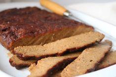 Linssinööri: Tuleeko paras seitan Ruotsista? Kehuttu ohje testi... Seitan, Delicious Vegan Recipes, Meatloaf, Banana Bread, Goodies, Desserts, Vegan Food, Yummy Vegan Recipes, Sweet Like Candy