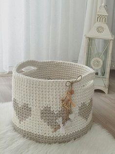 Crochet Heart Basket Pattern Yarns 37 Ideas For 2019 Crochet Rug Patterns, Crochet Basket Pattern, Knit Basket, Crochet Handles, Crochet Baskets, Crochet Ideas, Crochet Bowl, Knit Crochet, Nursery Patterns