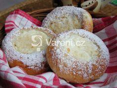Klasické české koláče stále patří k nejoblíbenějším moučníkům a čerstvé domácí chutnají vždy nejlépe. Osvědčený recept. Honeydew, Muffin, Dairy, Sugar, Cheese, Baking, Fruit, Breakfast, Recipes