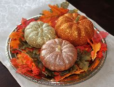 Martha Stewart's version of these were the inspiration for our DIY fall wedding centerpieces. so simple and fun! Pumpkin Crafts, Fall Crafts, Holiday Crafts, Halloween Wedding Centerpieces, Glitter Pumpkins, Fall Pumpkins, Halloween Pumpkins, Pumpkin Wedding, Disney Crafts