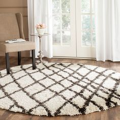 Shag Collection SGB484B Belize Shag Color: Ivory / Charcoal