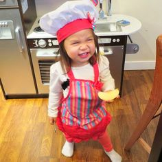 #juliannabear loves cooking as much as Daddy! @itsjudytime
