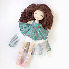 NEW! You can now custom order SWEETHUGS cloth dolls from our website (link in bio). Just go to the SWEETHUGS page, add to cart and contact me to describe your dream doll. #doll#clothdoll#dolls#outfit#sale#babyshower #handmadewithlove #customorder#nursery #baby#soft#hair#dress