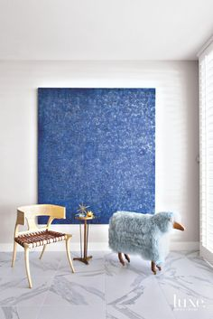 A John Millei oil and a vintage sheep from define a living room seating area in Patrick Dragonette and Charles Tucker's Palm Desert home Mar/April Interiors: Photo: Luxury Interior, Interior Design, Desert Homes, Living Room Seating, Contemporary Furniture, Furniture Decor, Home Goods, Wall Decor, Trains