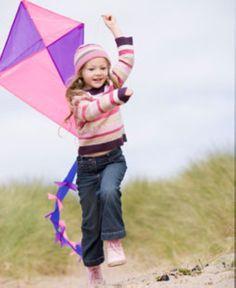 Tipps für Eltern - Familienleben und Freizeit: Drachen steigen lassen mit Kindern