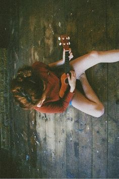 learning to play bossanova music on guitar <3