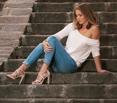 Street outfit  summer spring highheels sandals jeans