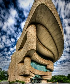 Museum of the American Indian, Washington DC. Architect and project designer Douglas Cardinal, design architects are GBQC Architects of Philadelphia and architect Johnpaul Jones. Photo by Kay Gaensler.