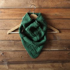Ravelry: Diamond Kerchief Cowl pattern by Alexis Hoy