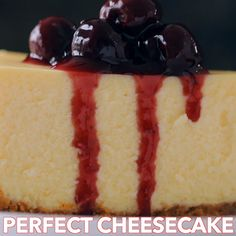 Kitchen Wall Decor How to make the perfect cheesecake! Learn the secrets to a level, extra creamy cheesecake with no cracks! This will become your go-to cheesecake recipe! Perfect Cheesecake Recipe, How To Make Cheesecake, Easy Cheesecake Recipes, Dessert Recipes, Classic Cheesecake, Keto Cheesecake, Honey Maid Cheesecake Recipe, Strawberry Cheesecake, Cheesecake Recipes