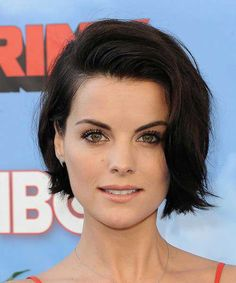 View yourself with Jaimie Alexander hairstyles and hair colors. View styling steps and see which Jaimie Alexander hairstyles suit you best. Jaimie Alexander, Jamie Alexander Hair, Casual Hairstyles, Celebrity Hairstyles, Bob Hairstyles, Hairstyle Short, Layered Hairstyles, Medium Hairstyles, Black Hairstyles