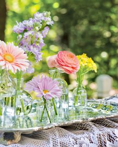 """Spring adds new life and new beauty to all that is. Southern Ladies, Floral Arrangements, Glass Vase, New Life, Tablescapes, Pink And Green, Table Decorations, Entertaining, Magazine"