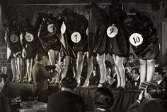 woman legs contest - 50y ago