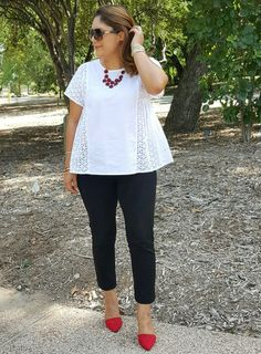 Black and white with a pop of red! #summerfashion #summerstyle