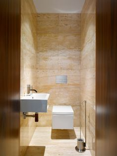 Upgrade Your House With Modern & Minimalist Bathroom Design Ideas That Will Impress Your Guest – Marble Bathroom Dreams Carrara Marble Bathroom, White Marble Bathrooms, Modern Small Bathrooms, Small Toilet Design, Modern Bathroom Design, Bathroom Interior Design, Interior Ideas, Minimalist Toilets, Minimalist Bathroom Design