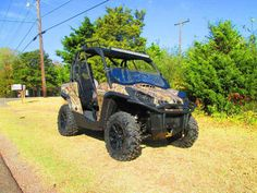 """Used 2013 Can-Am Commanderâ""""¢ XTâ""""¢ 1000 ATVs For Sale in Oklahoma. These are the side-by-side vehicles that created a new industry standard – because they were built with Can-Am DNA. Every Commander features either the 85-hp Rotax 1000 or the 71-hp Rotax 800R engine. That best-in-class power is controlled by precision-engineered handling and, new on 2013 models, Dynamic Power Steering (DPS). Consider, too, these vehicles include numerous features designed around the driver and passenger…"""