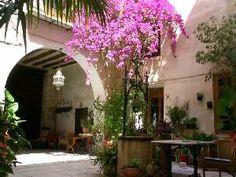 Cabrera courtyard of the house Abanilla