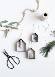 DIY House Cookie Cutter Ornaments - Sasibella - DIY House Cookie Cutter Ornaments DIY House Ornaments The Merrythought - Christmas Craft Show, Modern Christmas Ornaments, House Ornaments, Noel Christmas, Holiday Crafts, Christmas Decorations, Dorm Decorations, Christmas Cookies, Cookie Cutter House