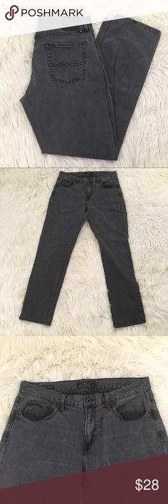 """Lucky Brand 221 Original Straight Leg Jeans Lucky Brand Mens 34x34 (34x33) 221 Original Straight Leg Jeans in Dark Grey. Excellent condition no flaws.  Waist flat: 17"""" Inseam: 33"""" Rise: 11""""  📌NO lowball offers 📌NO modeling 📌NO trades  Come check out the rest of our closet! We have various brands and ALL different sizes! Lucky Brand Jeans Straight"""