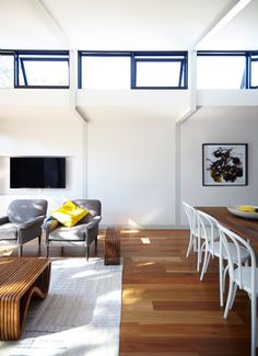 This Elsternwick Home Delights on a Narrow, Tightly Constrained Block Exterior Design, Interior And Exterior, Narrow House Plans, Small Tiny House, Tiny Houses, Steel Frame House, Small Terrace, House Roof, Apartment Design