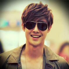 Kim Hyun Joong ♥ Boys Over Flowers ♥ Playful Kiss ♥ ♥ Barefoot Friends! I am crazy about hoy! Korean Star, Korean Men, Asian Men, Asian Guys, Kim Bum, Asian Actors, Korean Actors, Korean Dramas, Brad Pitt