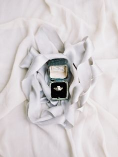 Wedding ring help: When choosing a videographer, be certain to see clips from prospective candidates, and constantly ask to look at sample videos.Decide depending on the gut impression of each and every photographer. Wedding Bands For Him, Matching Wedding Bands, Engagement Ring Guide, Rings 2017, Flatlay Styling, Claddagh, Diamond Wedding Rings, Engagement Photography, Style Me