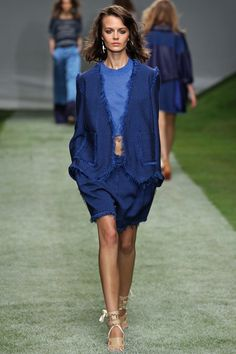 Topshop Unique Spring 2014 RTW - Review - Vogue