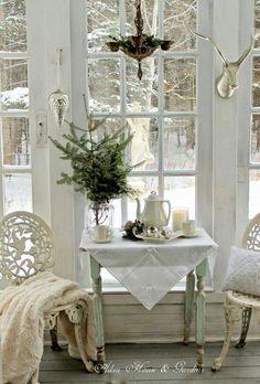 Shabby Chic decoration and furnishing. - Sabine Franke - Shabby Chic decoration and furnishing. Decor, Shabby Chic Decor, Vintage Christmas Decorations, White Decor, Cottage Decor, Chic Decor, Home Decor, White Rooms, Shabby Chic Christmas