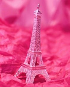 Paris in pink! Ok, the Eiffel Tower in pink. Pink Paris, Paris 3, Paris France, Pretty In Pink, Pink Love, Bright Pink, Perfect Pink, Color Rosa, Pink Color