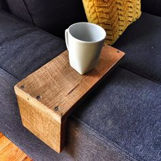 Bout de Canapé Repose Tasse Livre DIY I am updating this post because I have gotten over 200 emails about this post! of the questions are about the custom reclaimed wood arm wrap in the photo! We are constantly making new stock, so. Shelves Under Tv, Floating Shelf Under Tv, Black Floating Shelves, Industrial Floating Shelves, Floating Shelves Bedroom, Floating Shelves Kitchen, Rustic Floating Shelves, Sofa Kivik, Sofa Arm Table
