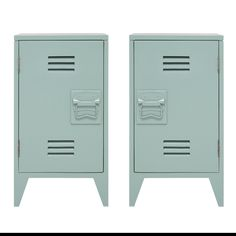 Looking for a convenient storage for bedside? With the beautiful HK Living bedside tables in 'locker' style, it's easily done. Painted in army green, grey or white with a cool twist. Art Deco Furniture, Living Furniture, Bedroom Furniture, Vintage Industrial Decor, Industrial Style, Industrial Bedroom, Bedside Lockers, Bedside Cabinet, Nightstand Set Of 2