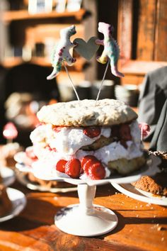 Real #wedding ideas - outdoor weddings - California weddings http://www.weddingandweddingflowers.co.uk/article/544/reinna-and-christian Photographer: Max Wanger