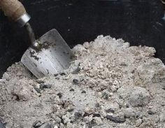 The Many Survival Uses of Wooden Ash - Final Prepper Uses For Ashes, Uses Of Wood, Acid Loving Plants, Compost Tea, How To Make Tea, Organic Vegetables, Gardening Tips, Vegetable Gardening, Bucket Gardening
