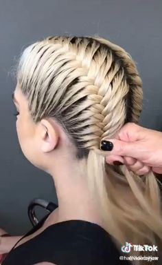 # bob Braids with shaved sides great braid style Sporty Hairstyles, Cute Braided Hairstyles, Easy Hairstyles For Long Hair, Diy Hairstyles, Halloween Hairstyles, Hair Styles For Halloween, Rocker Hairstyles, Long Hair Mohawk, Athletic Hairstyles