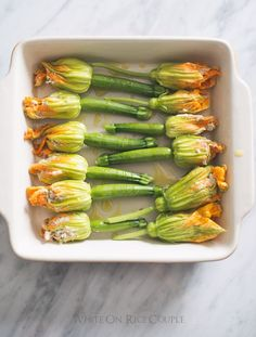 Easy Zucchini Flowers Recipe stuffed with cheese, ricotta, bacon and mushrooms. Quick recipe for stuffed zucchini flowers or squash blossoms baked oven Oven Roasted Zucchini, Roast Zucchini, Zucchini Fries, Zucchini Flowers, Zucchini Blossoms, Squash Flowers, Zucchini Boats, Bacon Stuffed Mushrooms, Bacon Mushroom