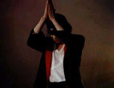 Te amarei eternamente! Obrigada por tudo, pelas musicas, pelas danças, pelo lindo e encantador sorriso, por trazer tanto brilho e magia nas nossas vidas! I love You forever Michael, minha eterna criança.