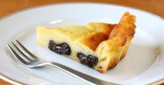 Recette de Far breton aux pruneaux allégé en calories. Facile et rapide à réaliser, goûteuse et diététique. Ingrédients, préparation et recettes associées.