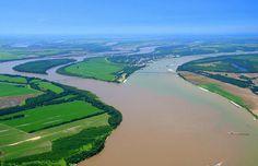 7 Sungai Paling Unik Di Dunia Versi Warna Unyu - WARNA UNYU