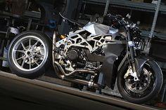 Ducati Monster 900 - SCM-01
