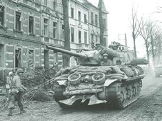 US tank destroyer. M10 Wolverine, M10 Tank Destroyer, French Buildings, Operation Market Garden, Us Armor, Ww2 Pictures, Sherman Tank, Ww2 Tanks, Military Diorama