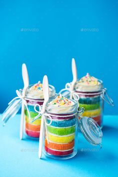 Rainbow cake in a jar by RuthBlack. Mini jars of rainbow cake Cake In A Jar, Dessert In A Jar, Lemon Desserts, Just Desserts, Diy Rainbow Birthday Party, Cake Birthday, Diy Birthday, Kids Cooking Activities, Dessert Cookbooks