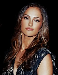 Her make-up is always flawless Balayage Brunette, Brunette Hair, Brunette Makeup, Minka Kelly Makeup, Minka Kelly Hair, Trendy Hairstyles, Wedding Hairstyles, Beauty Makeup, Hair Beauty