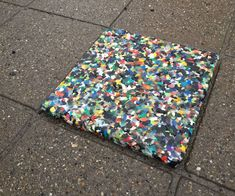 Upcycled Crafts Recycling Ideas - FreshBaked Plastic Tiles For All! Plastic Bottle Tops, Plastic Bottle Crafts, Plastic Art, Diy Bottle, Recycle Plastic Bottles, Bottle Caps, Plastic Recycling, How To Recycle Plastic, Fused Plastic