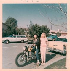 1966 305 Honda Scrambler… and Buick and Pigtails Vintage Bicycles, Vintage Motorcycles, Vintage Photographs, Vintage Images, Vintage Colors, Retro Vintage, Motorcycle Couple, Honda Scrambler, Polaroid Pictures