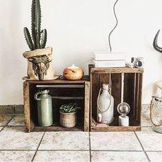 Retour sur un article de @alexiane_deco qui vous explique tout sur les cagettes en bois ! _______________ Lien dans la bio. _______________ #decoaddict #decoration #deco #myhome #homesweethome #homedecor #instahome #instadeco #Interiorlovers #Interior4you #interior4all #boho #bohostyle #madecoamoi #madeco #welovedeco Deco Addict, Sweet Home, Bio, Decoration, Table, Organization, Furniture, Home Decor, Storage