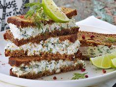 Tummat katkarapuleivät - Reseptit Avocado Toast, Tiramisu, Sandwiches, Food And Drink, Snacks, Breakfast, Ethnic Recipes, Party, Koti