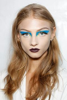 Make up idea but with a neon-colour ( pink, yellow or orange )